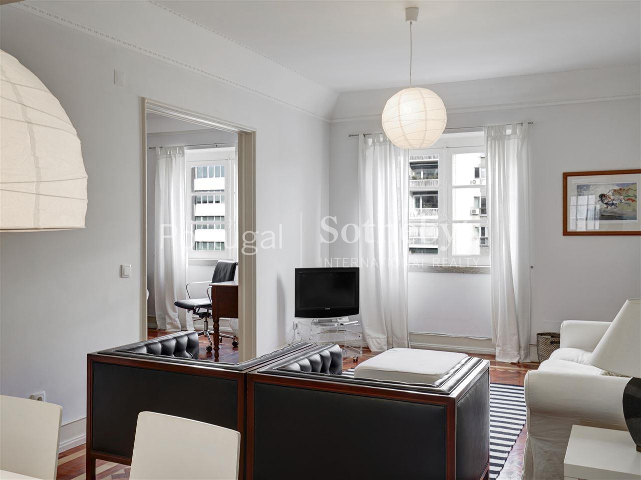Property Of Flat, 5 bedrooms, for Rent