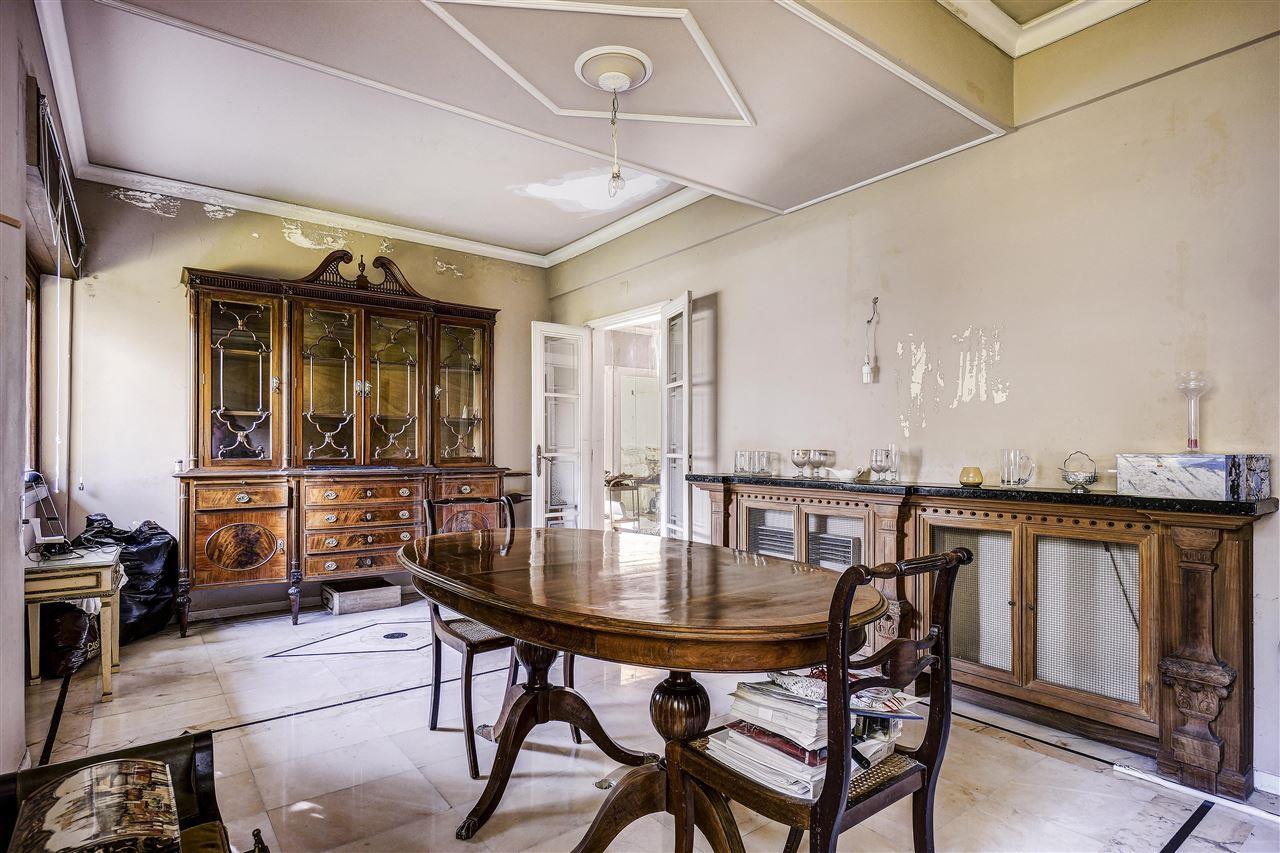 独户住宅 为 销售 在 House, 5 bedrooms, for Sale Lisboa, 葡京 1400-204 葡萄牙