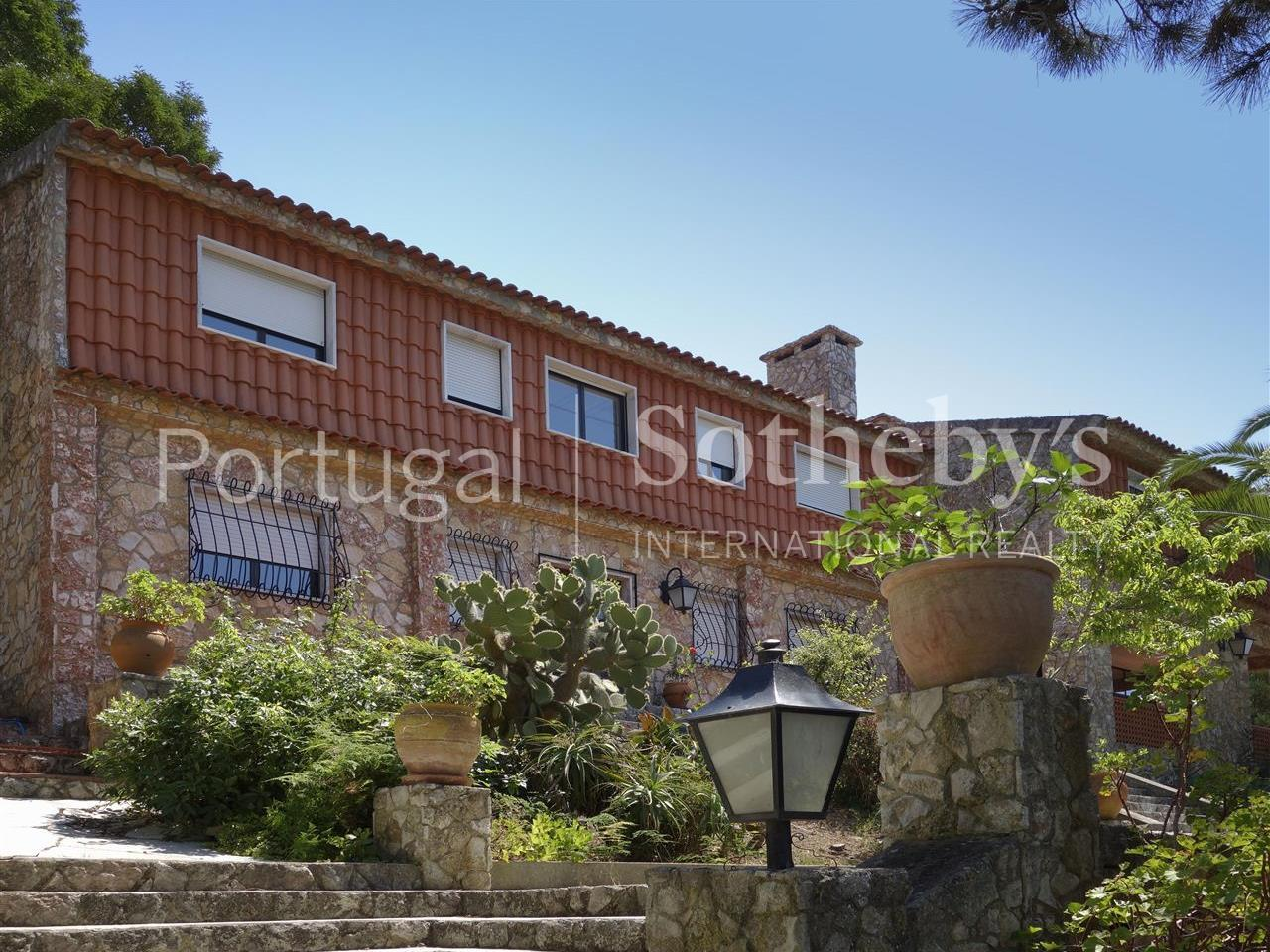 Property Of House, 9 bedrooms, for Sale