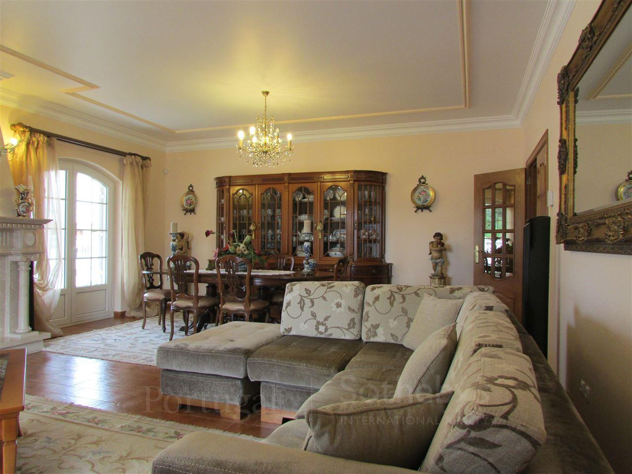 Property For Sale at Detached house, 4 bedrooms, for Sale