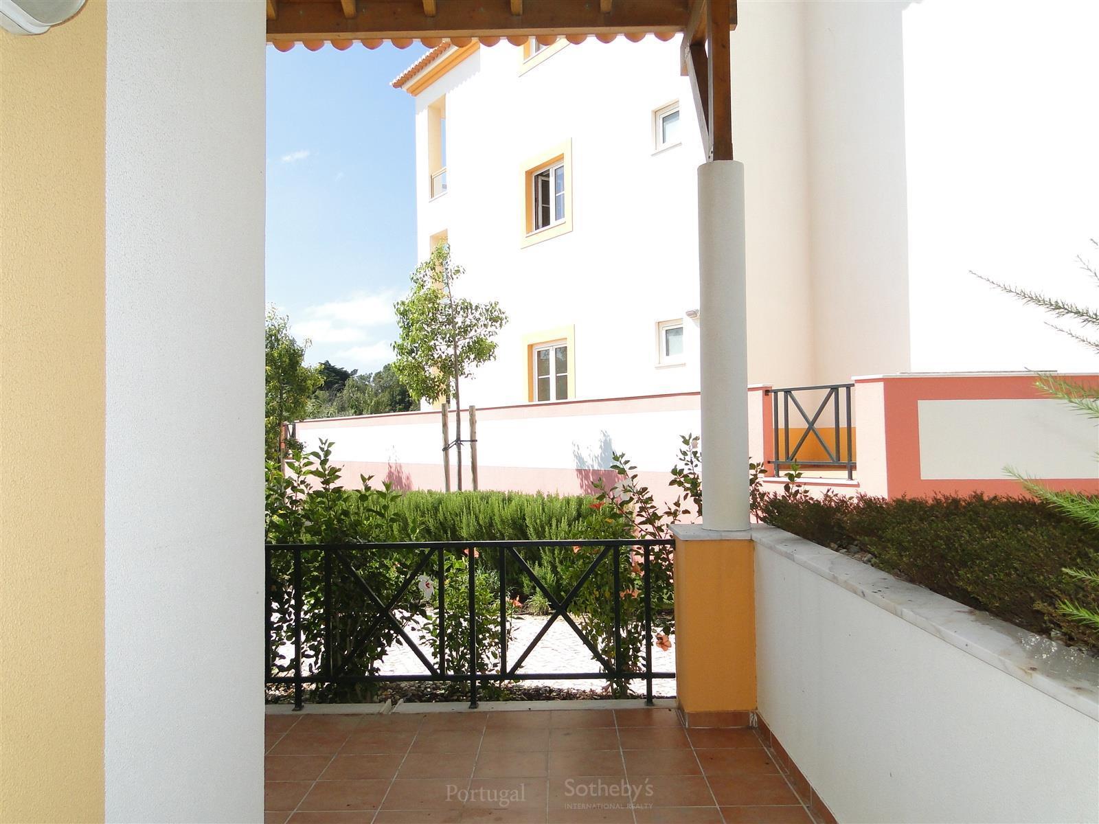 アパート のために 売買 アット Flat, 4 bedrooms, for Sale Beloura, Sintra, リスボン ポルトガル