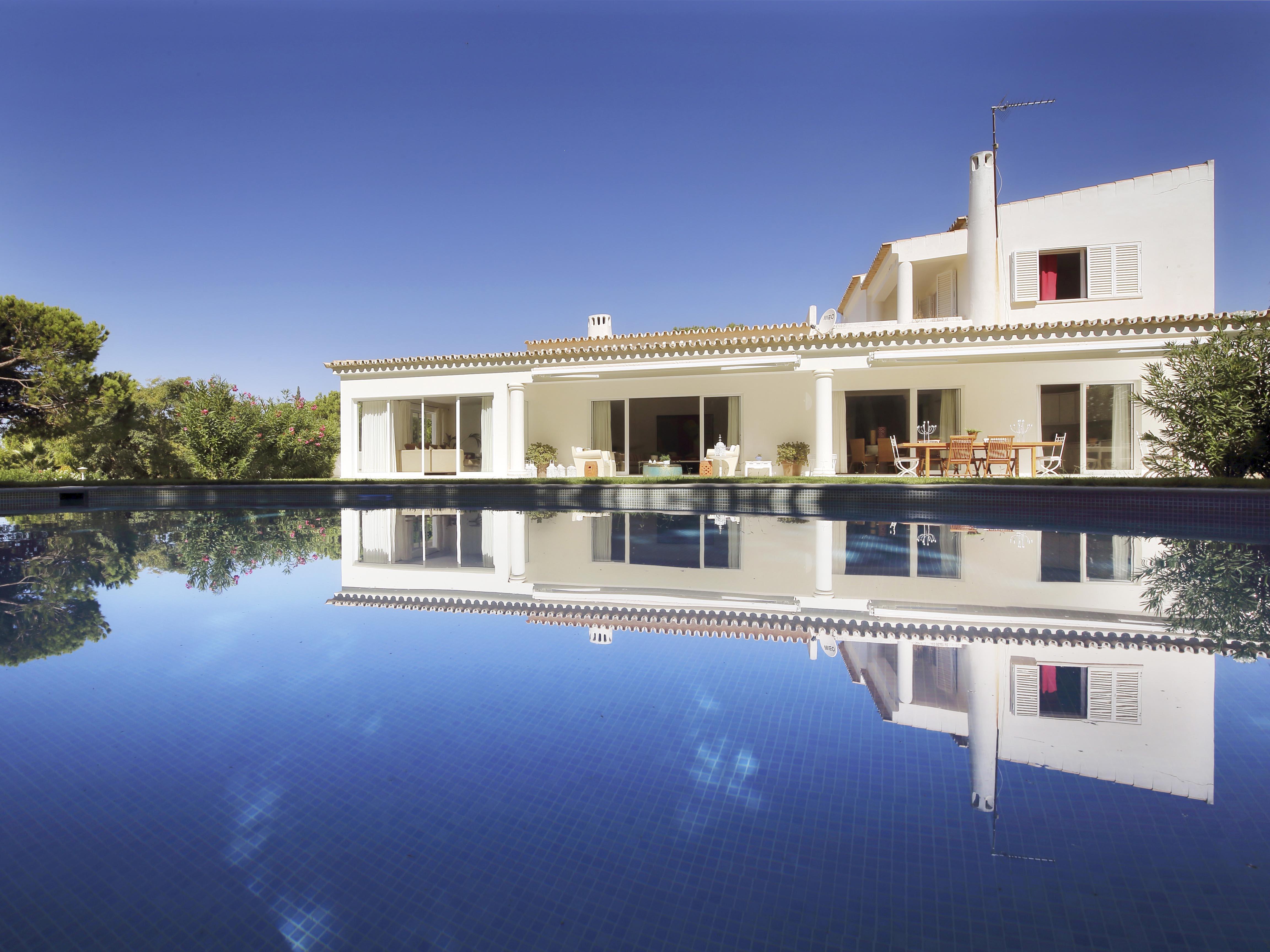 Moradia para Venda às Detached house, 6 bedrooms, for Sale Loule, Algarve, Portugal