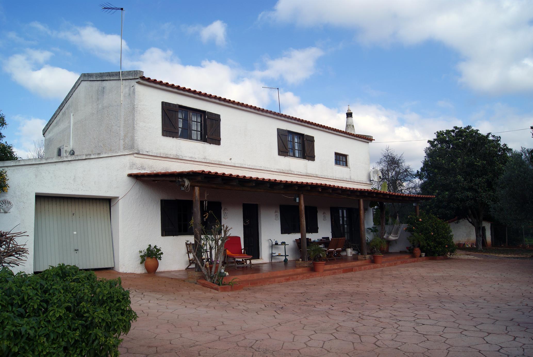 農場 / 牧場 / 種植場 為 出售 在 Small Farm, 3 bedrooms, for Sale Silves, Algarve, 8365-091 葡萄牙