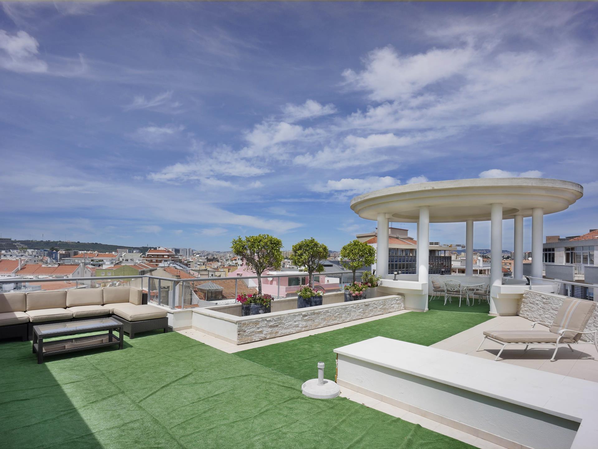 Appartement pour l Vente à Flat, 4 bedrooms, for Sale Avenidas Novas, Lisboa, Lisbonne Portugal
