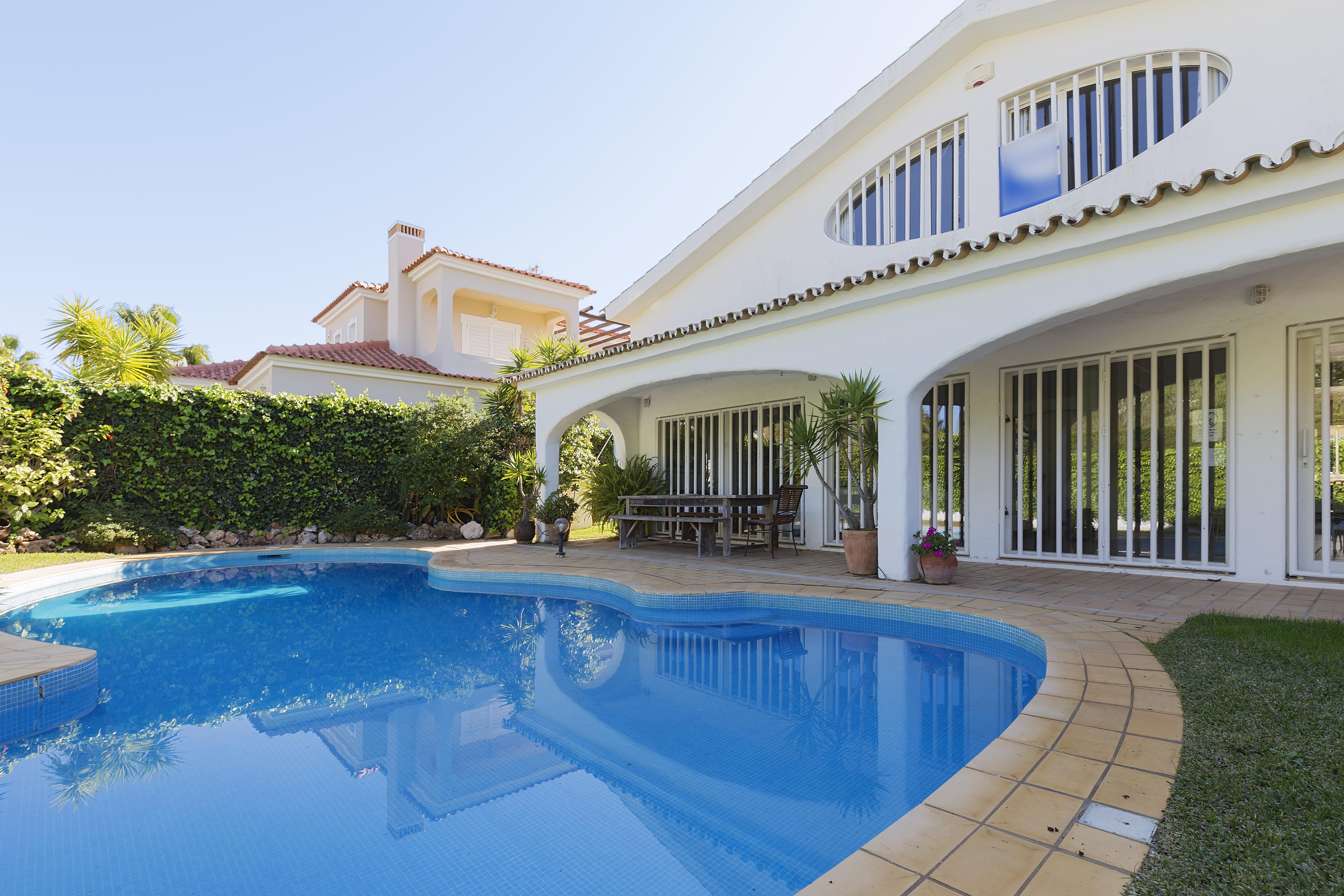 Single Family Home for Sale at Detached house, 3 bedrooms, for Sale Loule, Algarve, 8125-001 Portugal