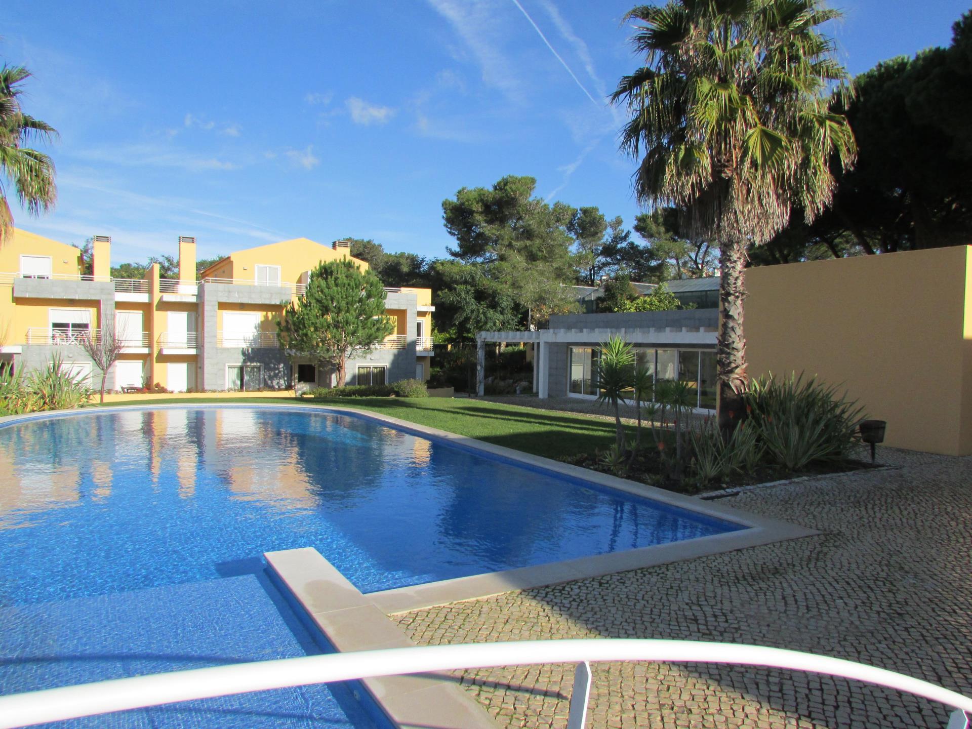 Квартира для того Продажа на Flat, 2 bedrooms, for Sale Birre, Cascais, Лиссабон Португалия