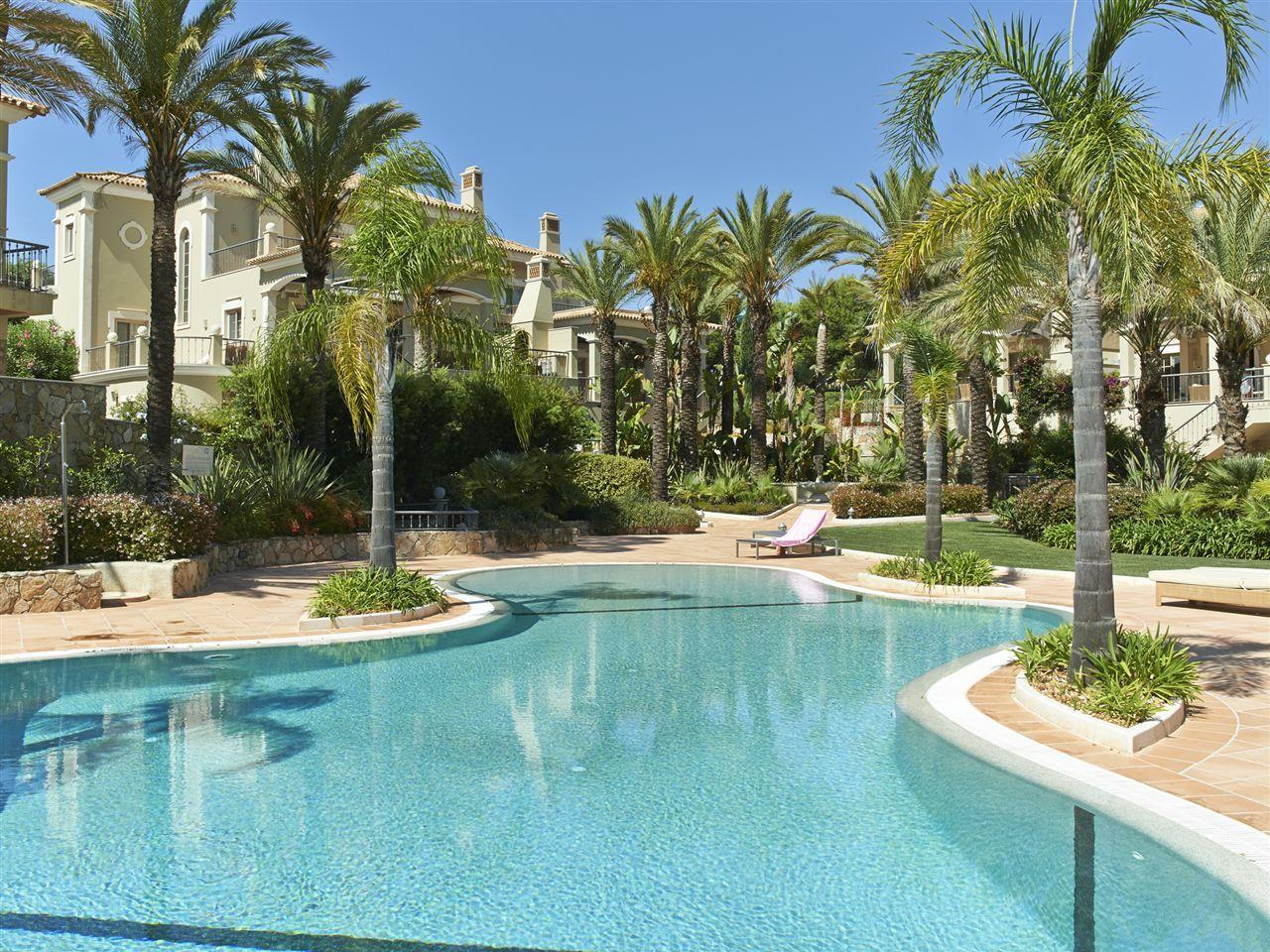 Casa para uma família para Venda às House, 3 bedrooms, for Sale Loule, Algarve Portugal