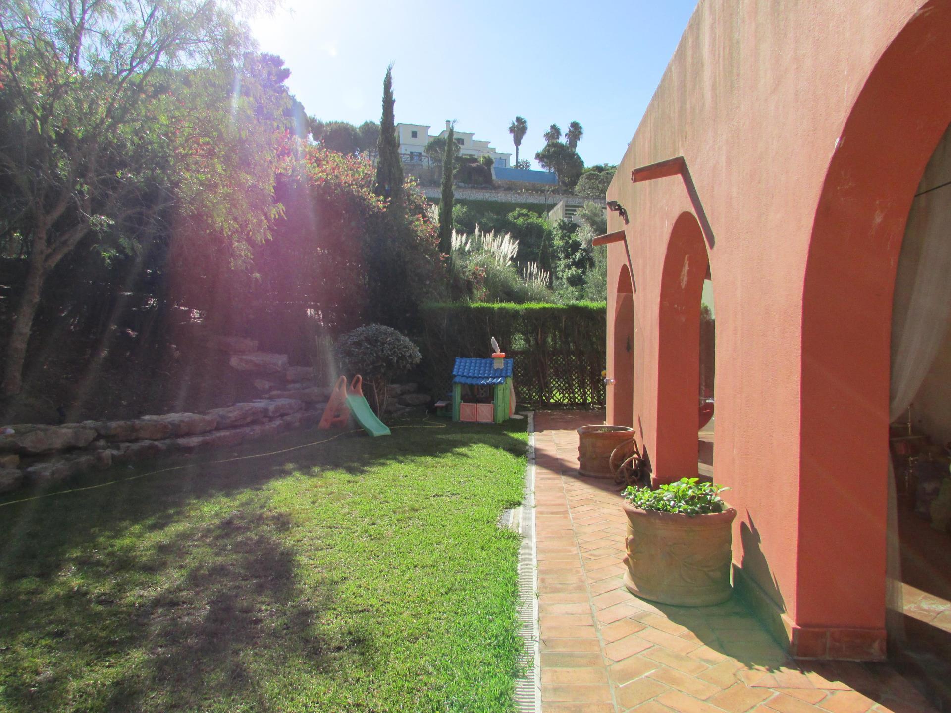 Appartement pour l Vente à Flat, 3 bedrooms, for Sale Estoril, Cascais, Lisbonne Portugal