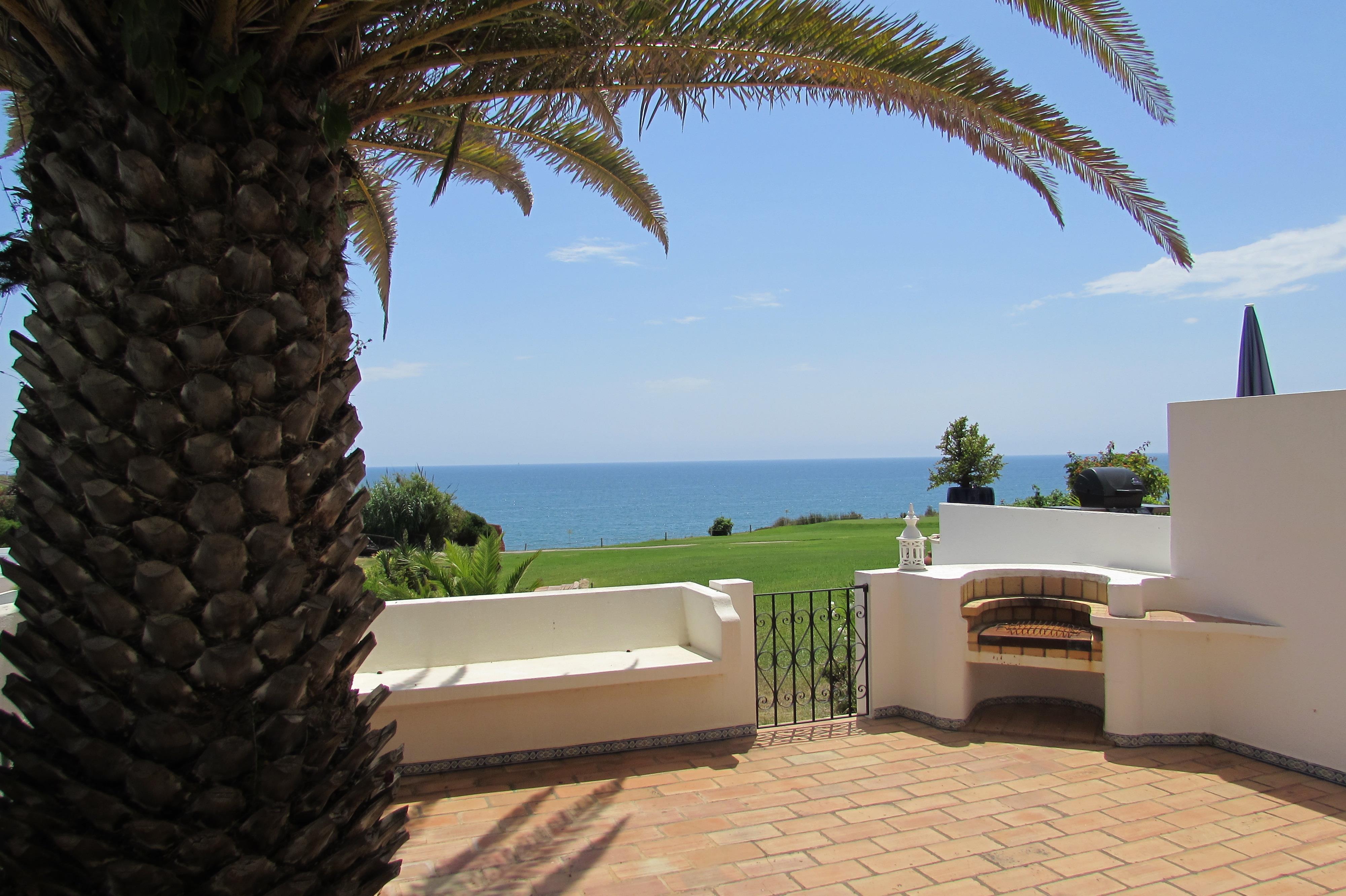 단독 가정 주택 용 매매 에 Semi-detached house, 2 bedrooms, for Sale Loule, Algarve, 8135-011 포르투갈