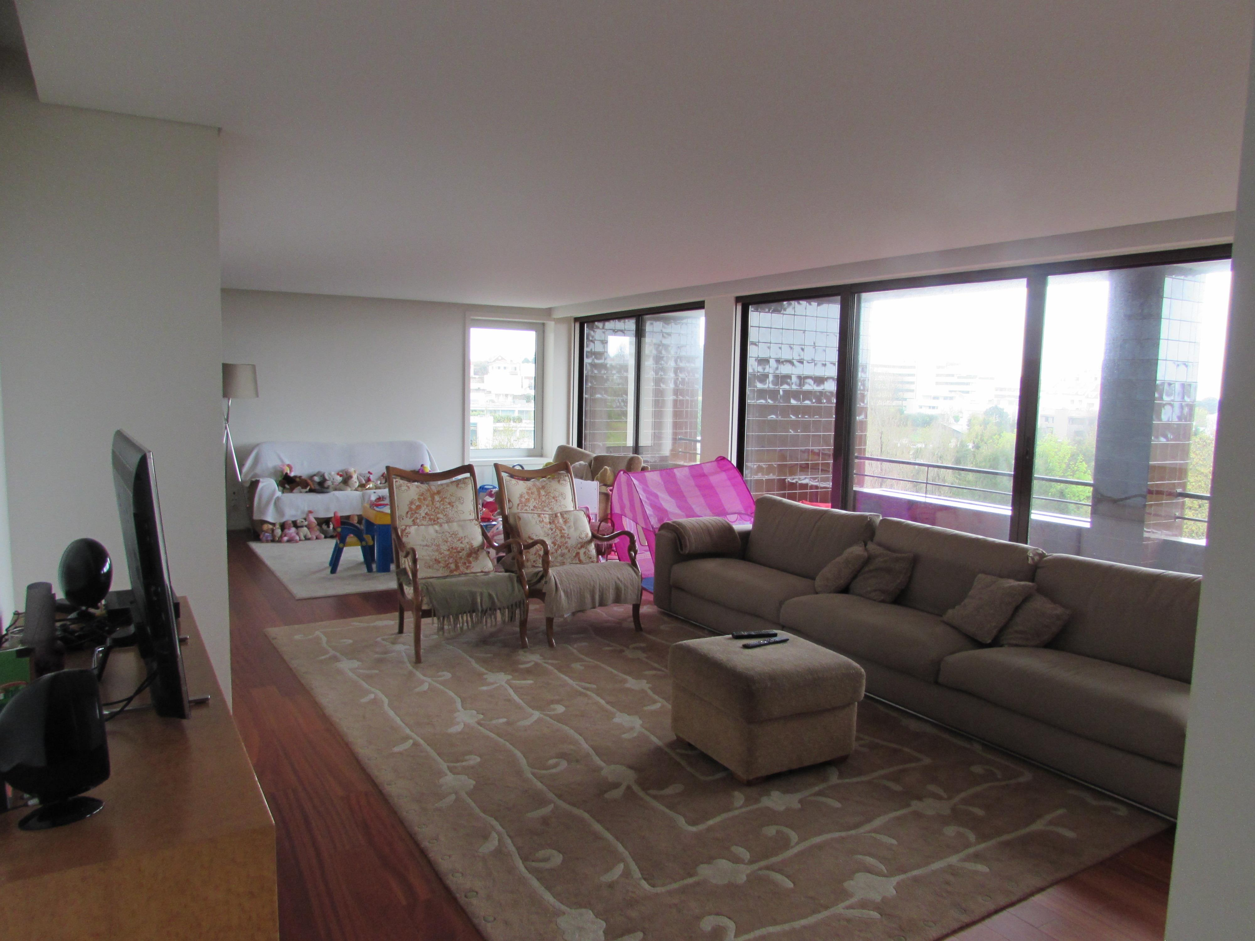 Apartment for Sale at Flat, 5 bedrooms, for Sale Porto, Porto, 4100-376 Portugal
