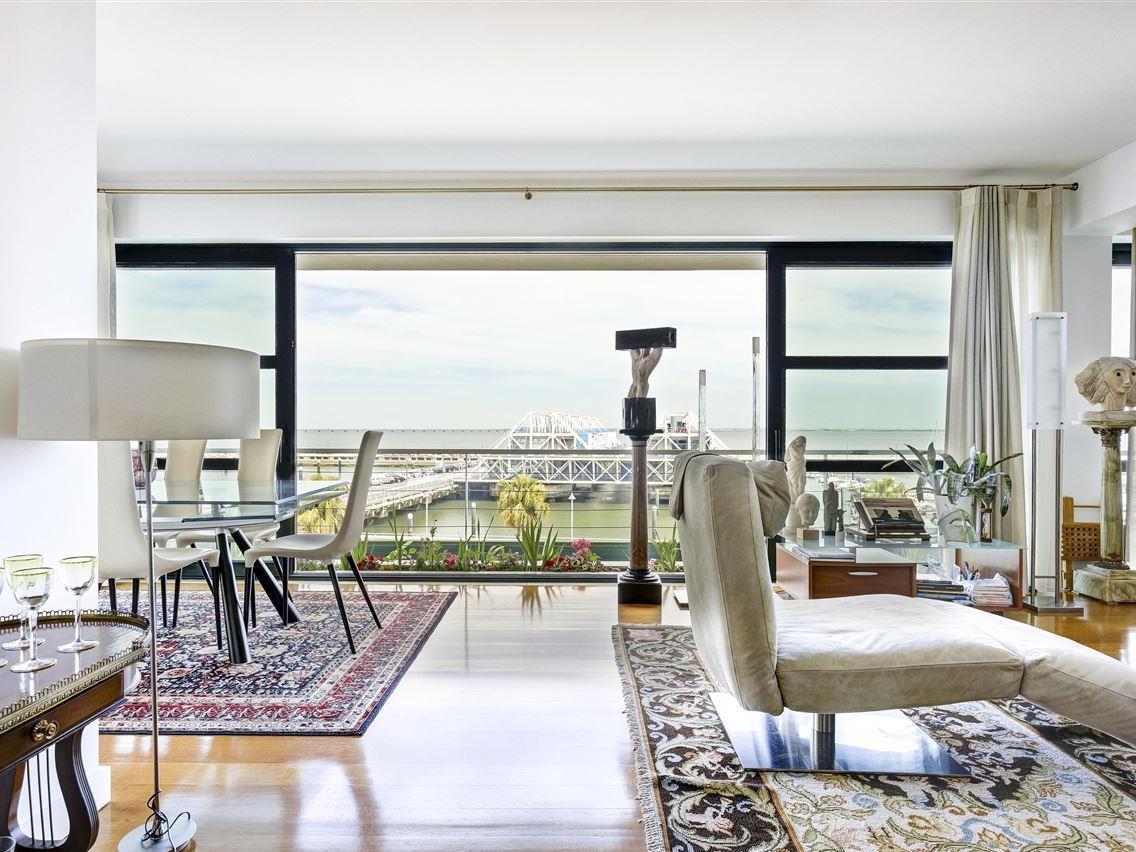 Apartamento para Venda às Flat, 4 bedrooms, for Sale Lisboa, Lisboa Portugal