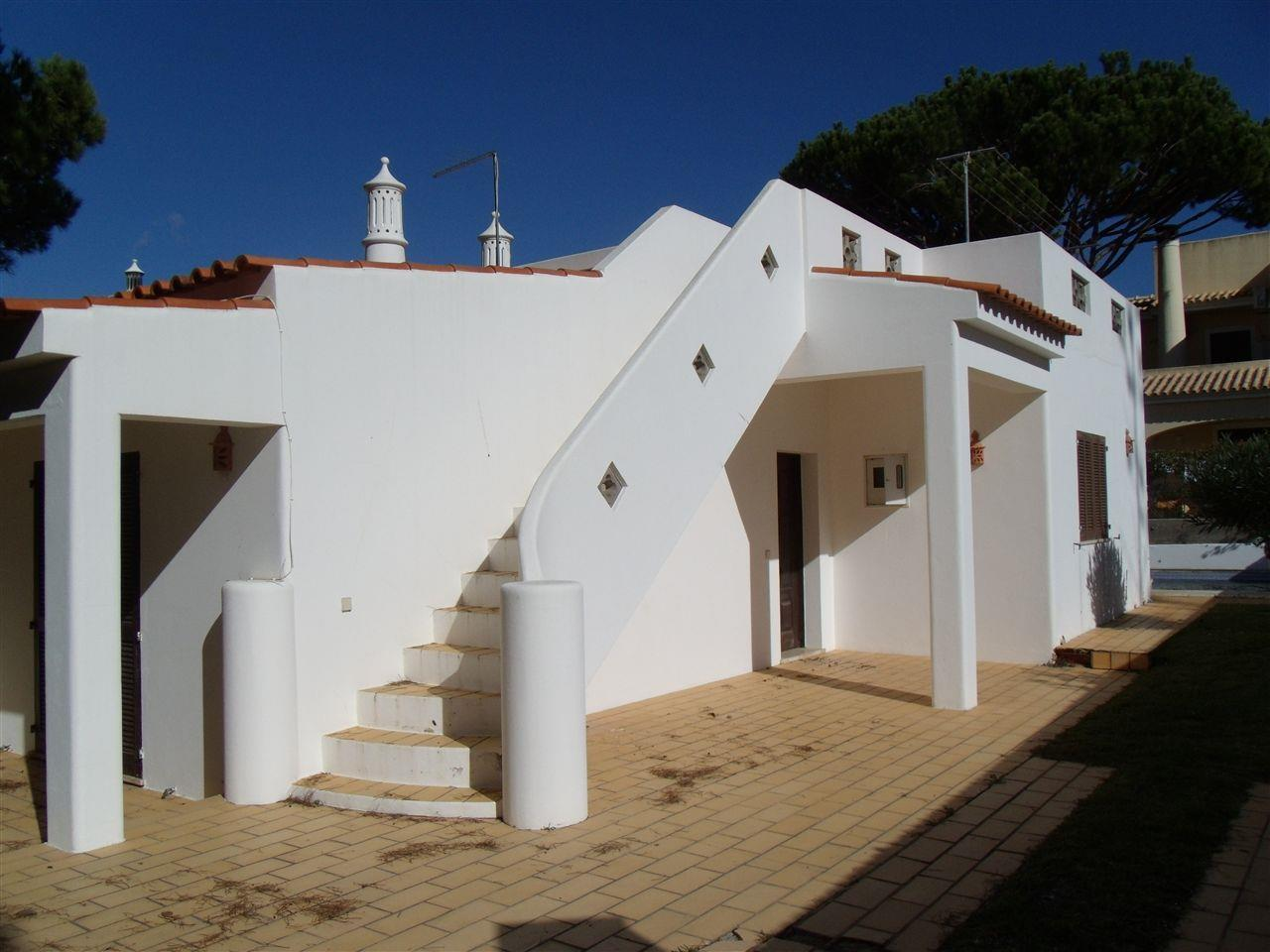 Single Family Home for Sale at Detached house, 2 bedrooms, for Sale Loule, Algarve Portugal