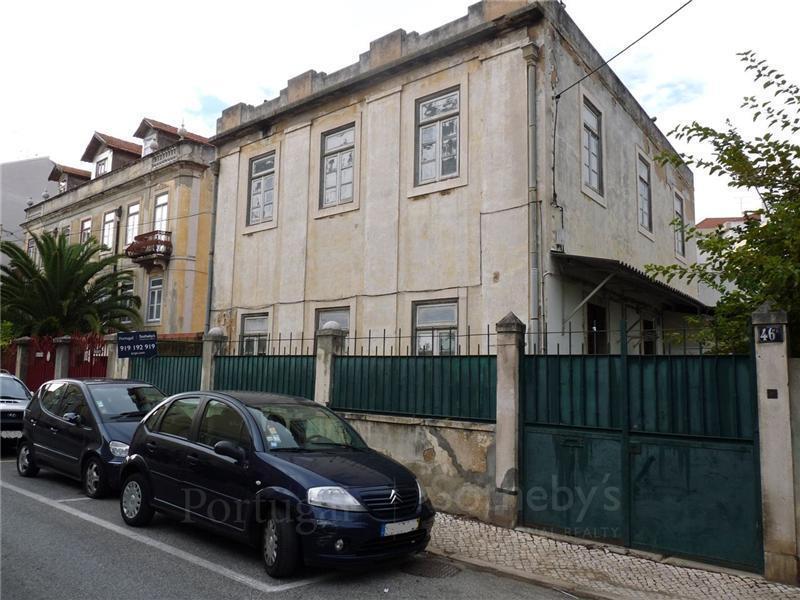 Maison avec plusieurs logements pour l Vente à Building for Sale Oeiras, Lisbonne Portugal