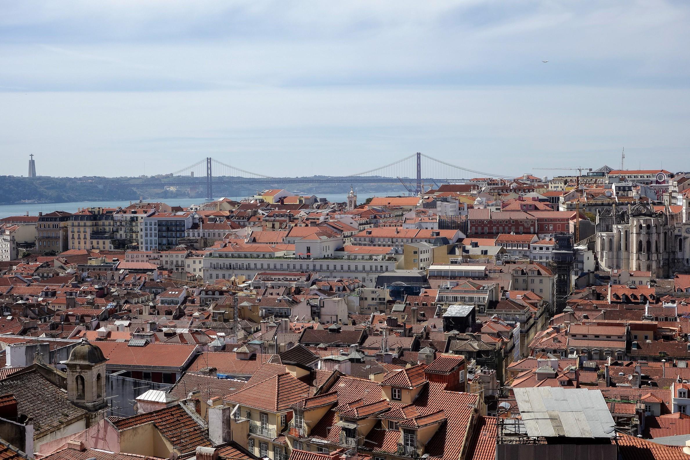 Apartamento para Venda às Flat, 2 bedrooms, for Sale Lisboa, Lisboa 1100-176 Portugal