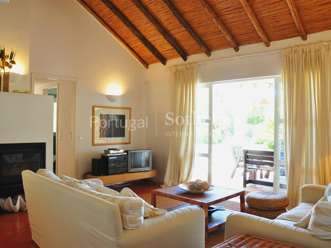 Property Of Detached house, 4 bedrooms, for Sale