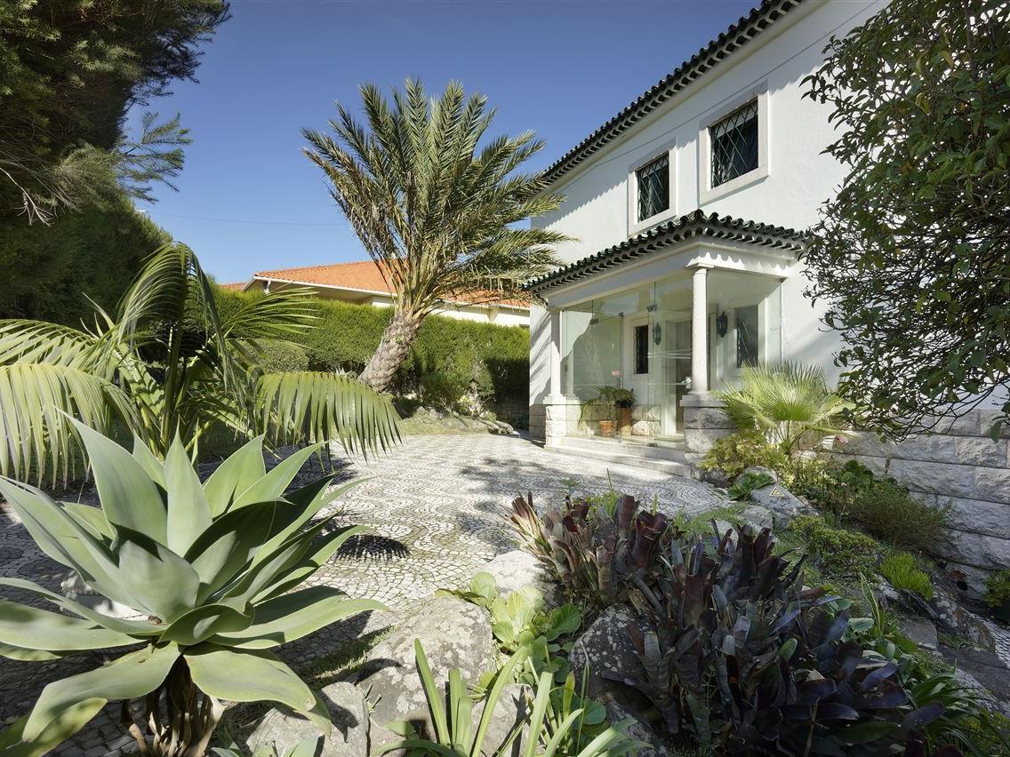 Vivienda unifamiliar por un Venta en House, 7 bedrooms, for Sale Oeiras, Lisboa Portugal