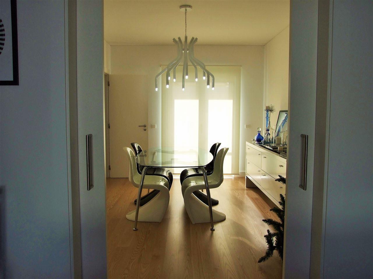 Частный односемейный дом для того Продажа на House, 4 bedrooms, for Sale Bicesse, Cascais, Лиссабон Португалия