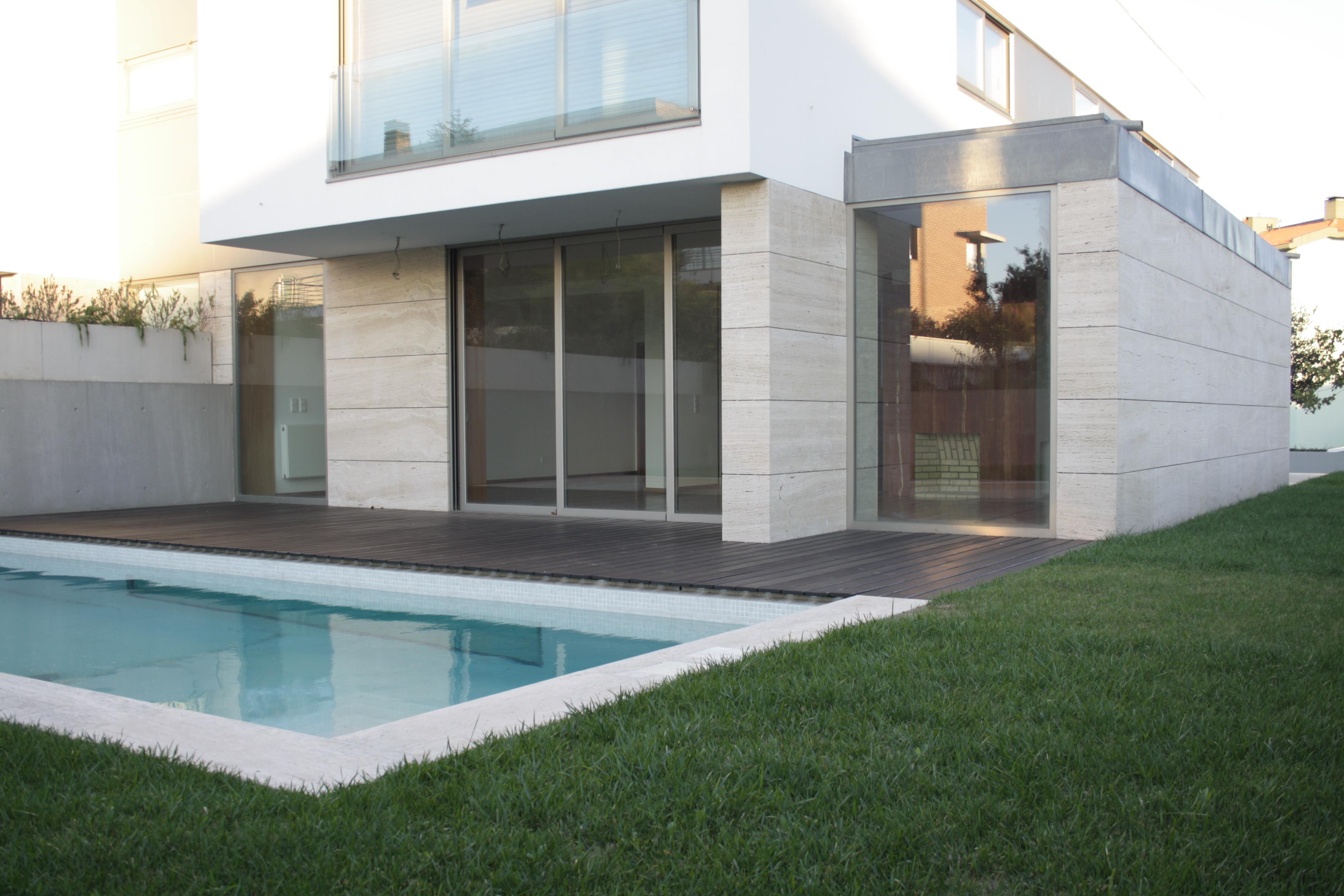 Casa Unifamiliar por un Venta en Semi-detached house, 4 bedrooms, for Sale Porto, Porto 4100-182 Portugal