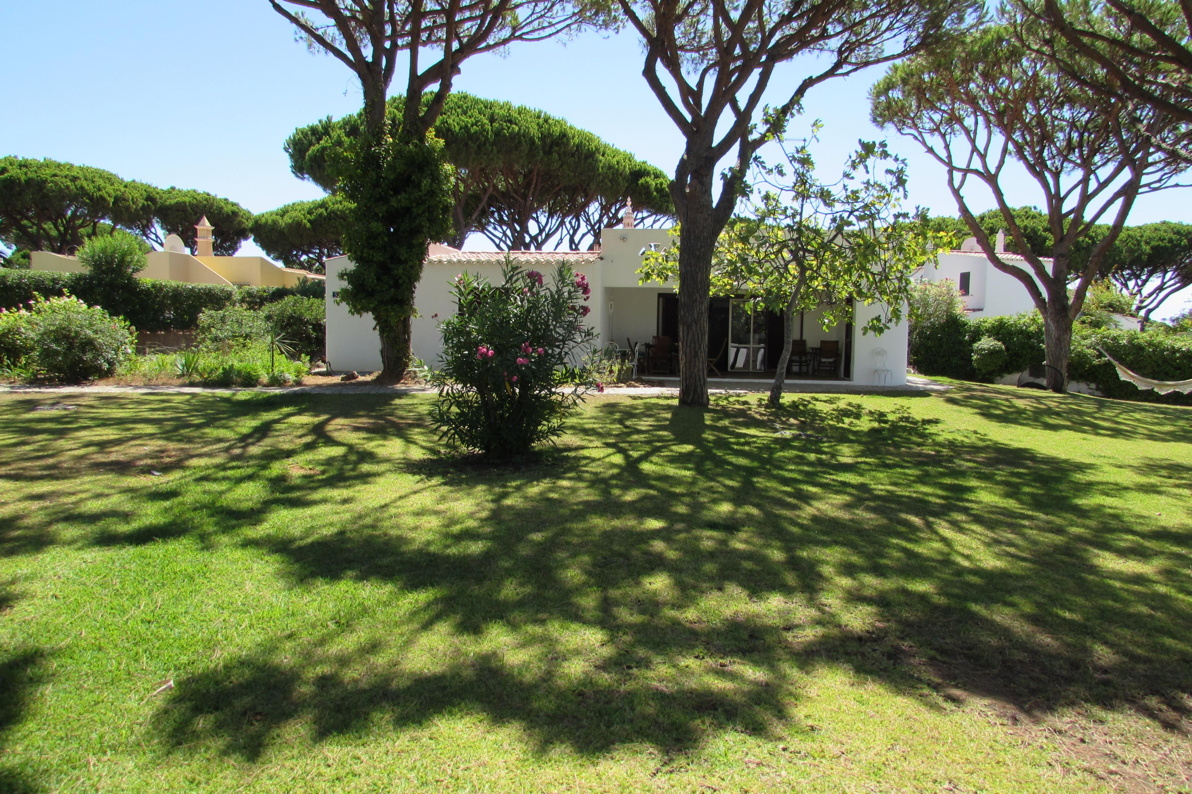 Casa Unifamiliar por un Venta en House, 4 bedrooms, for Sale Loule, Algarve, 8135- Portugal