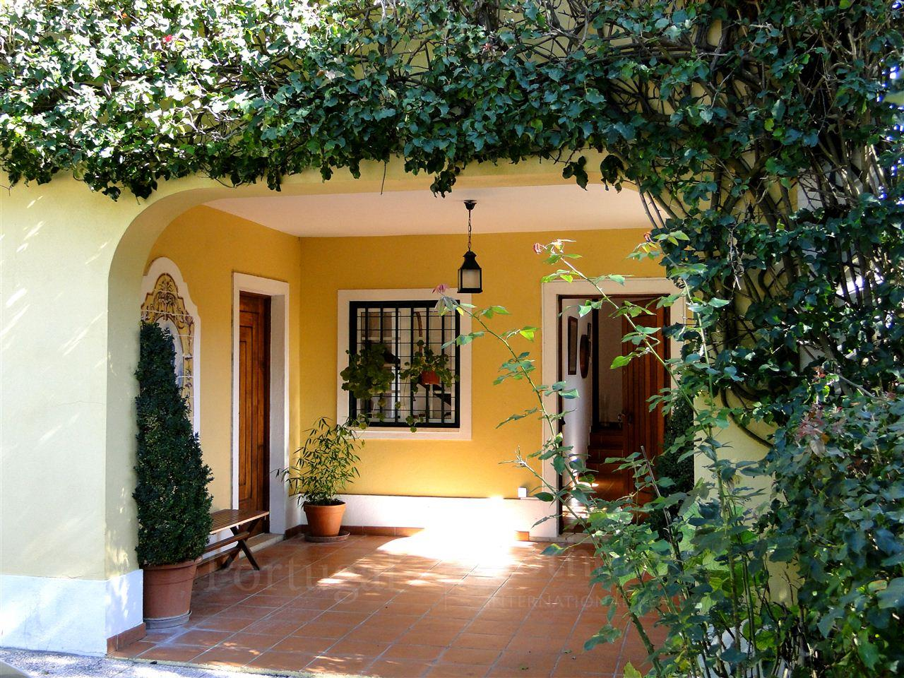 Single Family Home for Sale at House, 4 bedrooms, for Sale Sintra, Lisboa, 2705-354 Portugal