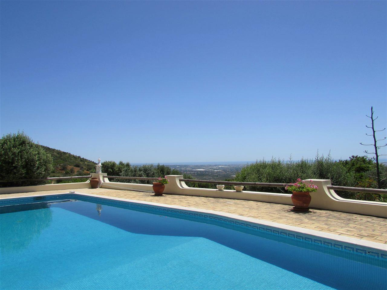 Single Family Home for Sale at Detached house, 5 bedrooms, for Sale Faro, Algarve 8000-174 Portugal