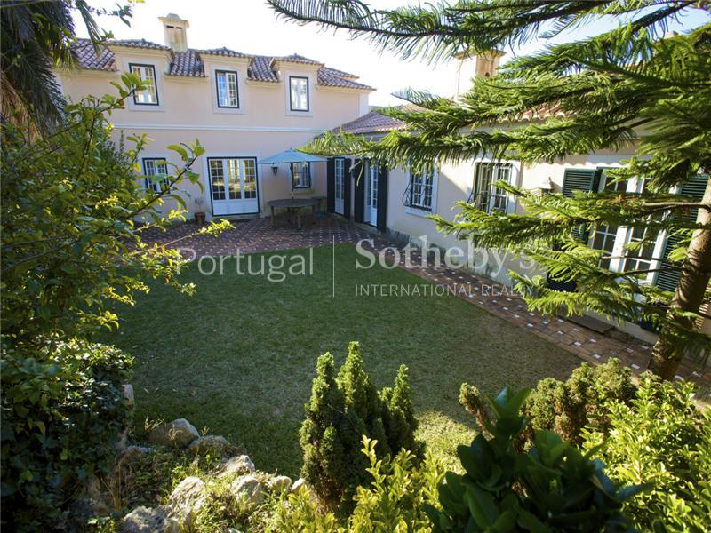 Property Of House, 10 bedrooms, for Sale