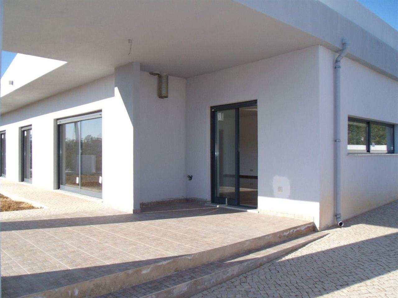 Casa para uma família para Venda às Detached house, 4 bedrooms, for Sale Olhao, Algarve Portugal