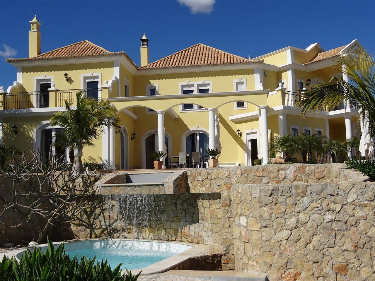 Casa Unifamiliar por un Venta en House, 5 bedrooms, for Sale Loule, Algarve, 0000-000 Portugal