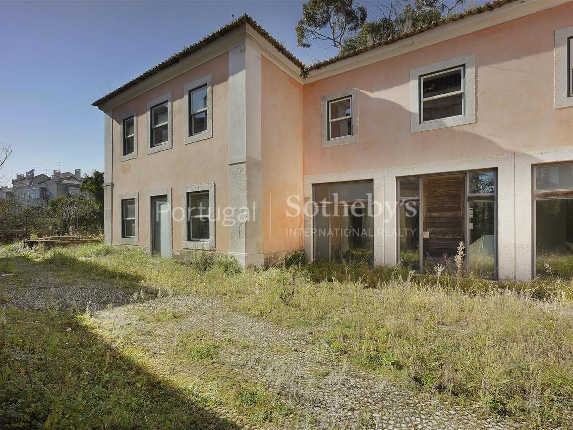 Property Of House, 8 bedrooms, for Sale