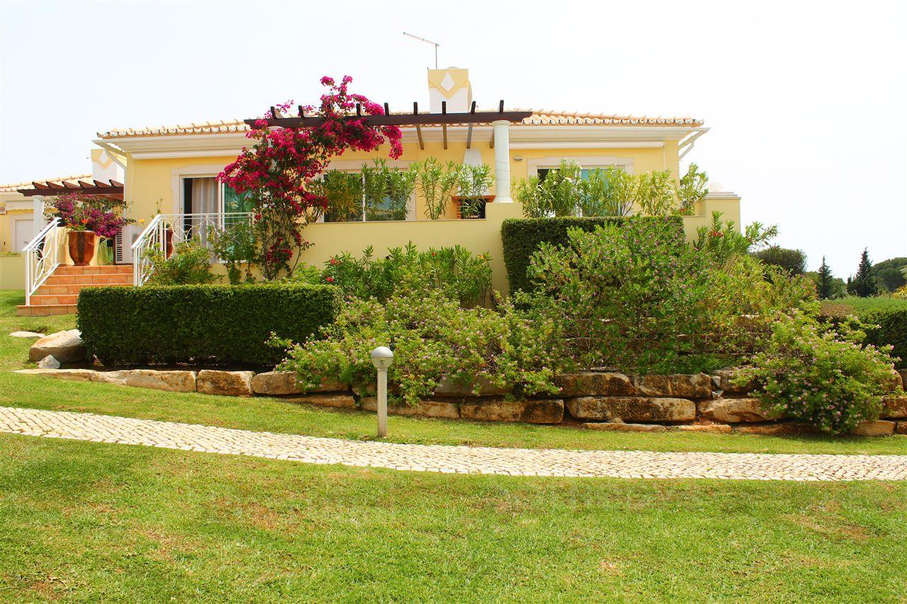 Single Family Home for Sale at Semi-detached house, 3 bedrooms, for Sale Loule, Algarve, 8125-406 Portugal