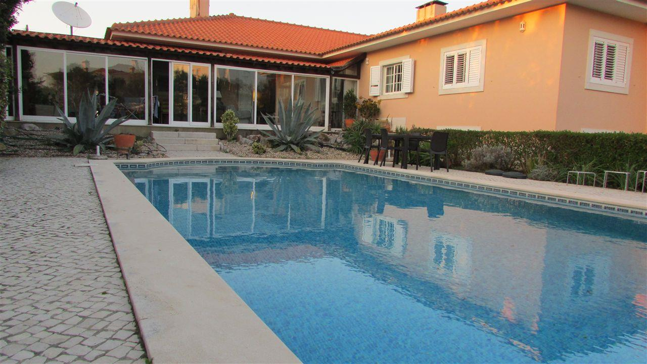 Casa Unifamiliar por un Venta en House, 5 bedrooms, for Sale Cascais, Lisboa, Portugal