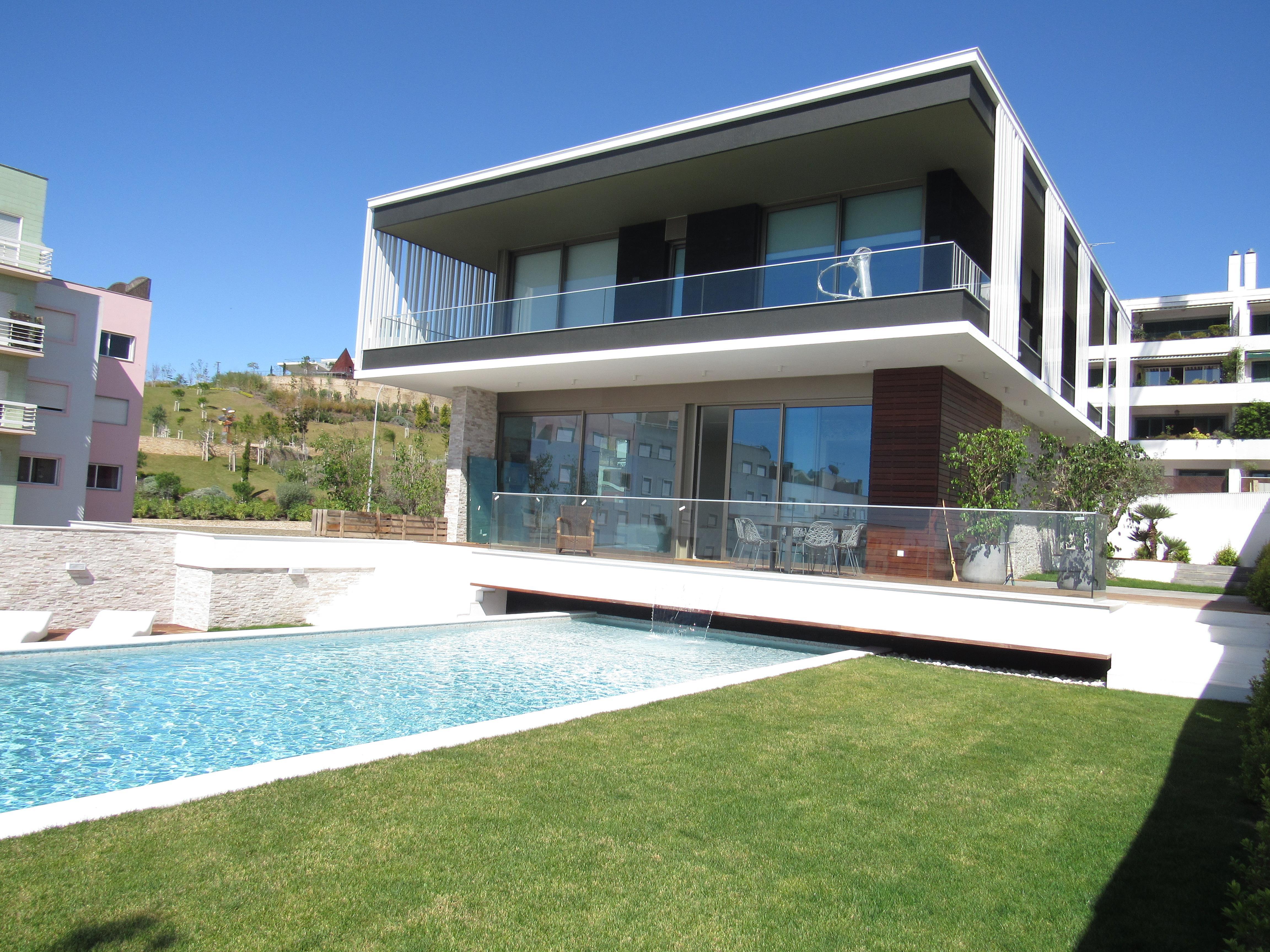 獨棟家庭住宅 為 出售 在 Detached house, 4 bedrooms, for Sale Oeiras, 葡京 2780-171 葡萄牙