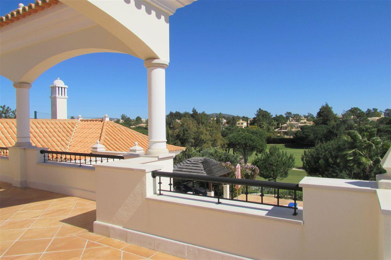 Tek Ailelik Ev için Satış at Detached house, 5 bedrooms, for Sale Loule, Algarve 8125-307 Portekiz