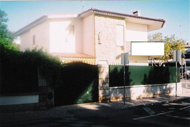 Vivienda unifamiliar por un Venta en House, 4 bedrooms, for Sale Cascais, Lisboa, 2750-178 Portugal