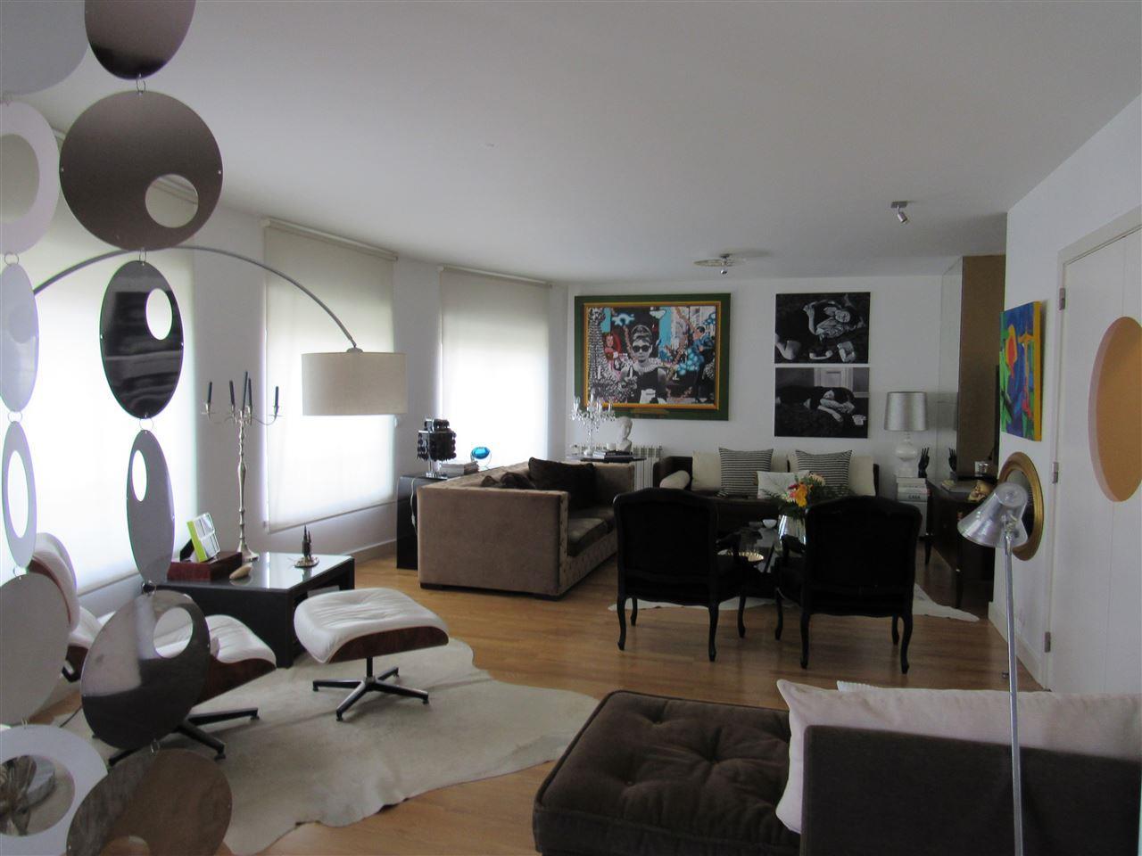 양면 인쇄 용 매매 에 Duplex, 5 bedrooms, for Sale Lisboa, 리스보아, 1050-175 포르투갈