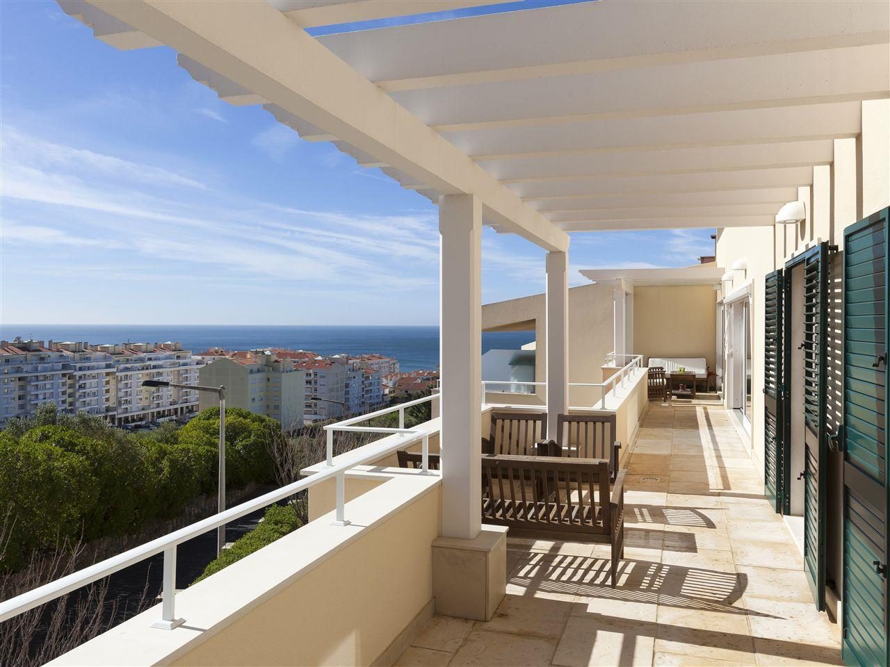 Apartamento para Venda às Flat, 4 bedrooms, for Sale Cascais, Lisboa Portugal
