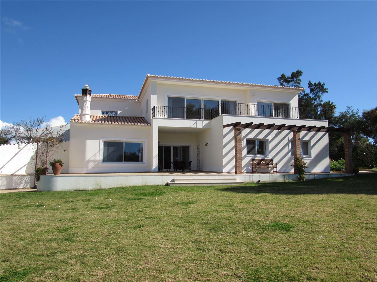 Single Family Home for Sale at Detached house, 5 bedrooms, for Sale Other Portugal, Other Areas In Portugal Portugal