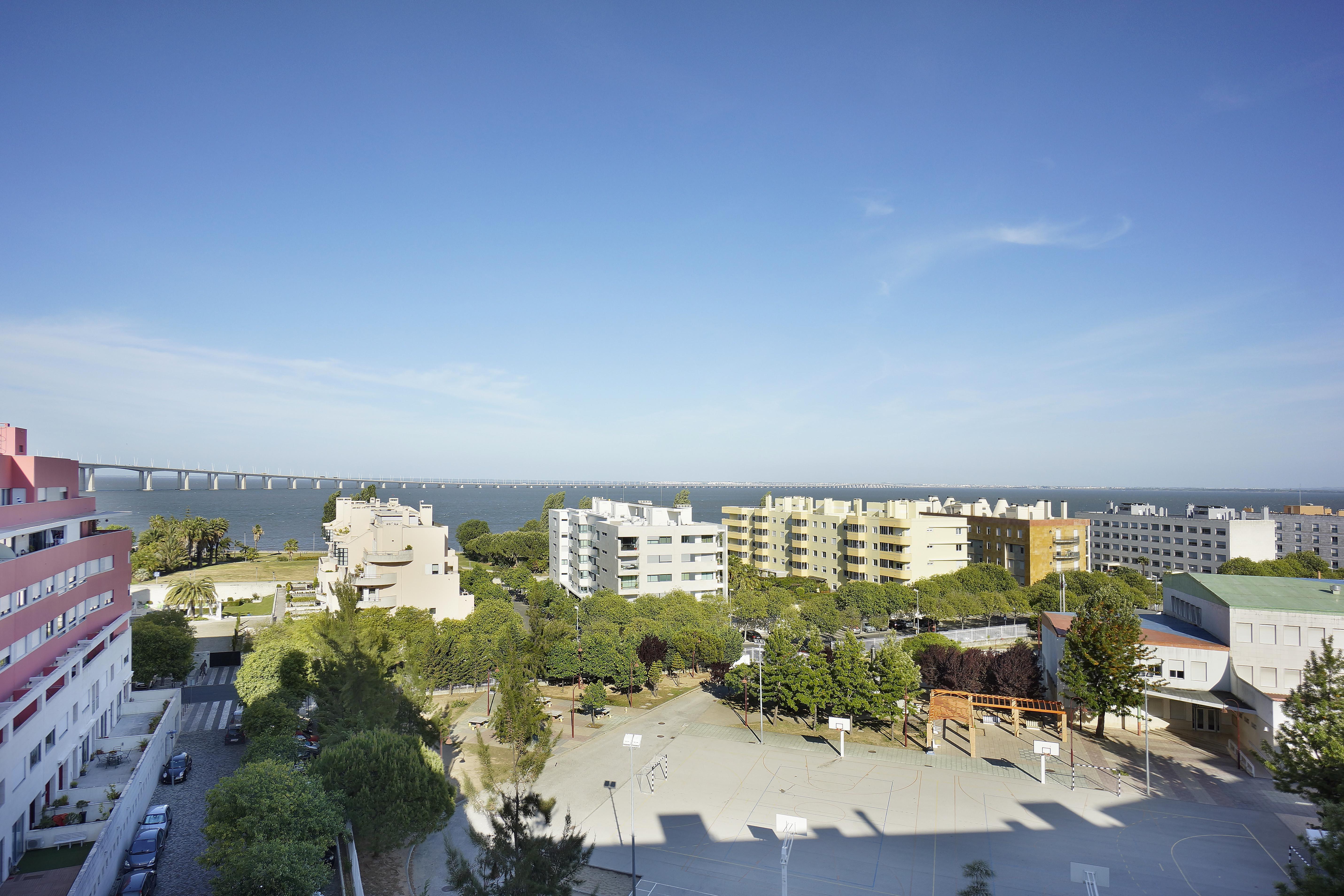 Appartamento per Vendita alle ore Flat, 4 bedrooms, for Sale Lisboa, Lisbona 1990-237 Portogallo