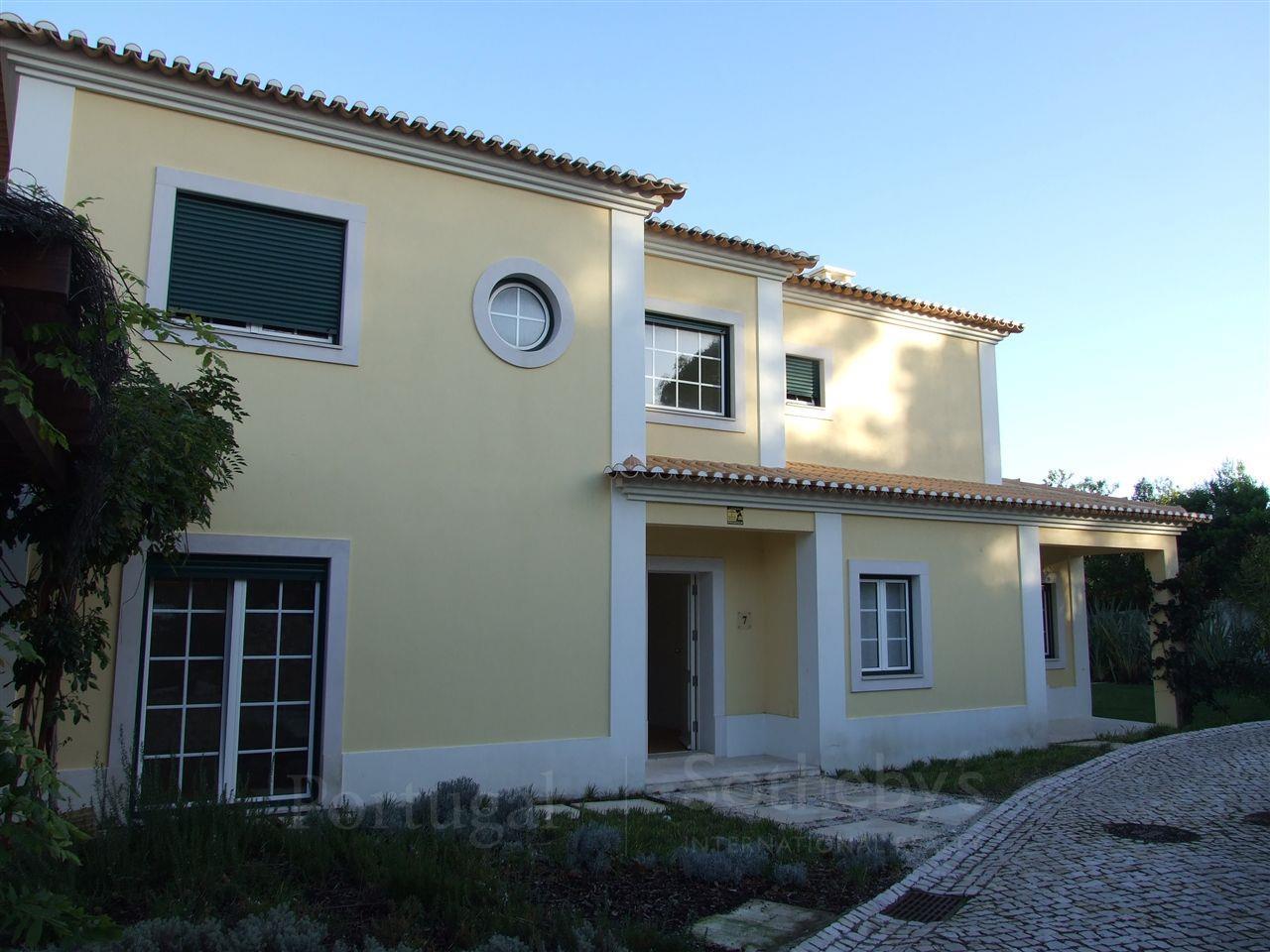Tek Ailelik Ev için Satış at House, 4 bedrooms, for Sale Bicesse, Cascais, Lisboa Portekiz