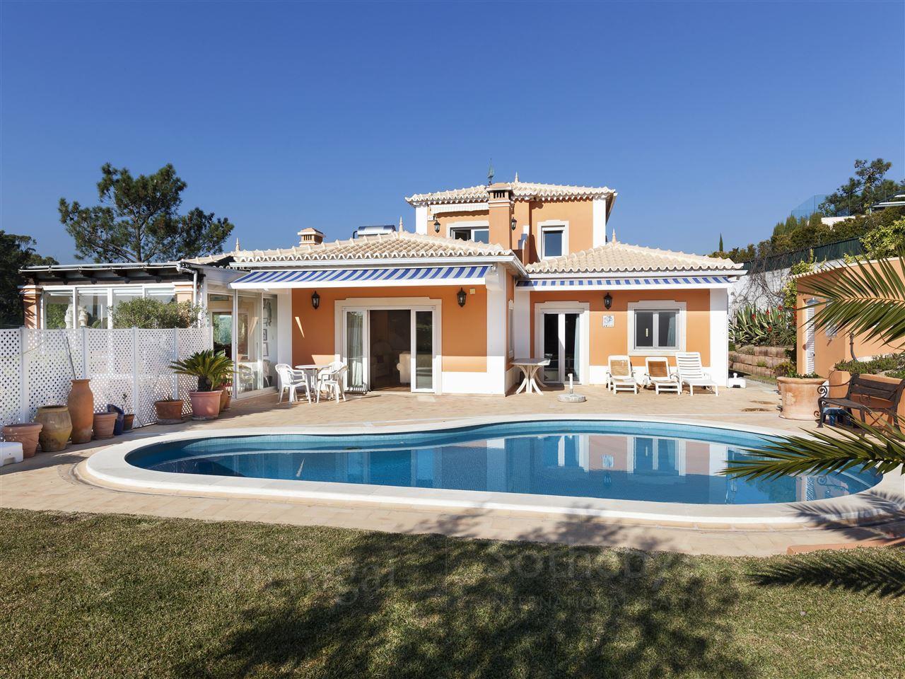 Частный односемейный дом для того Продажа на Detached house, 3 bedrooms, for Sale Cascais, Лиссабон Португалия