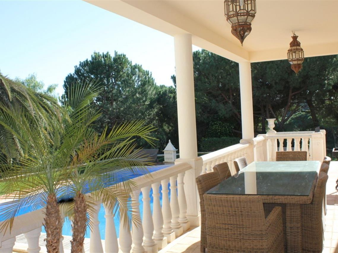 Maison unifamiliale pour l Vente à House, 4 bedrooms, for Sale Loule, Algarve Portugal