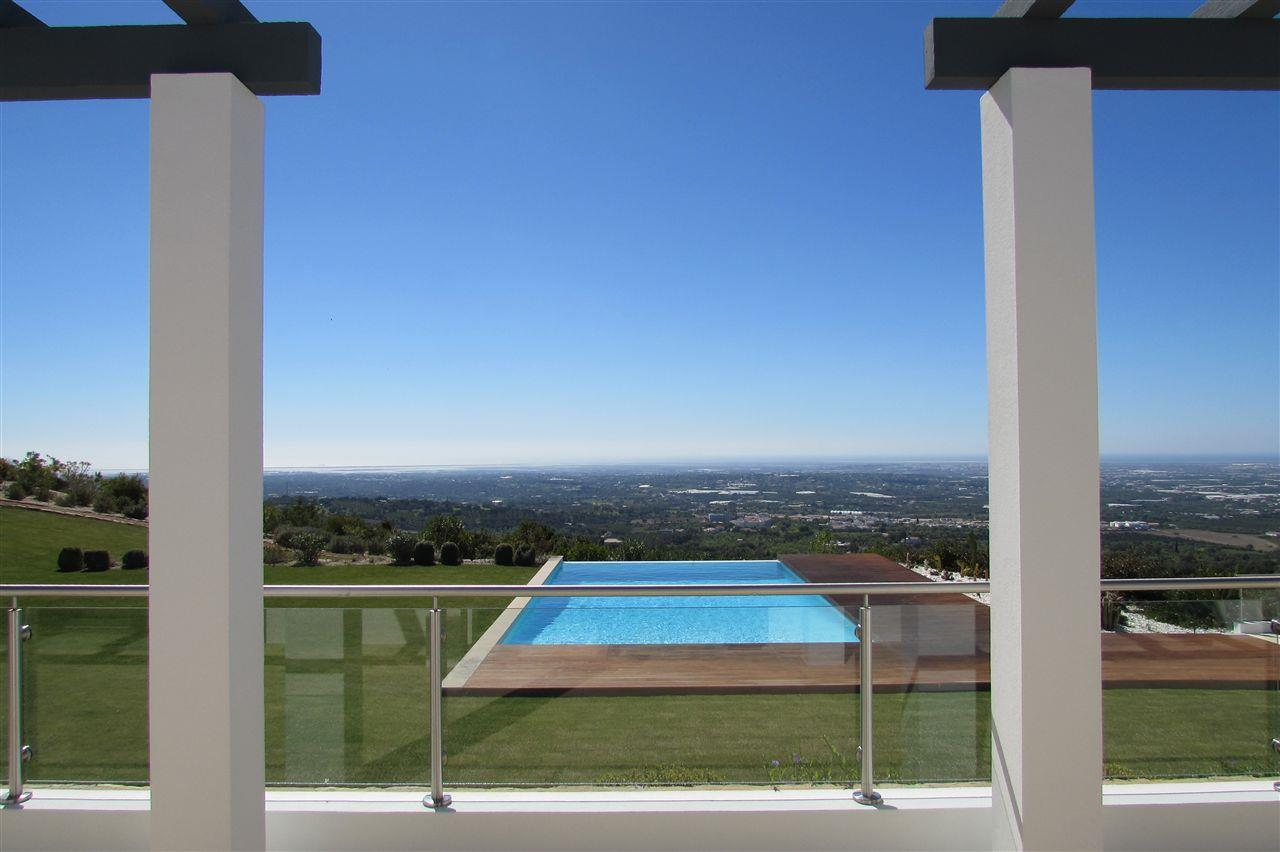 Casa Unifamiliar por un Venta en Detached house, 5 bedrooms, for Sale Faro, Algarve, Portugal