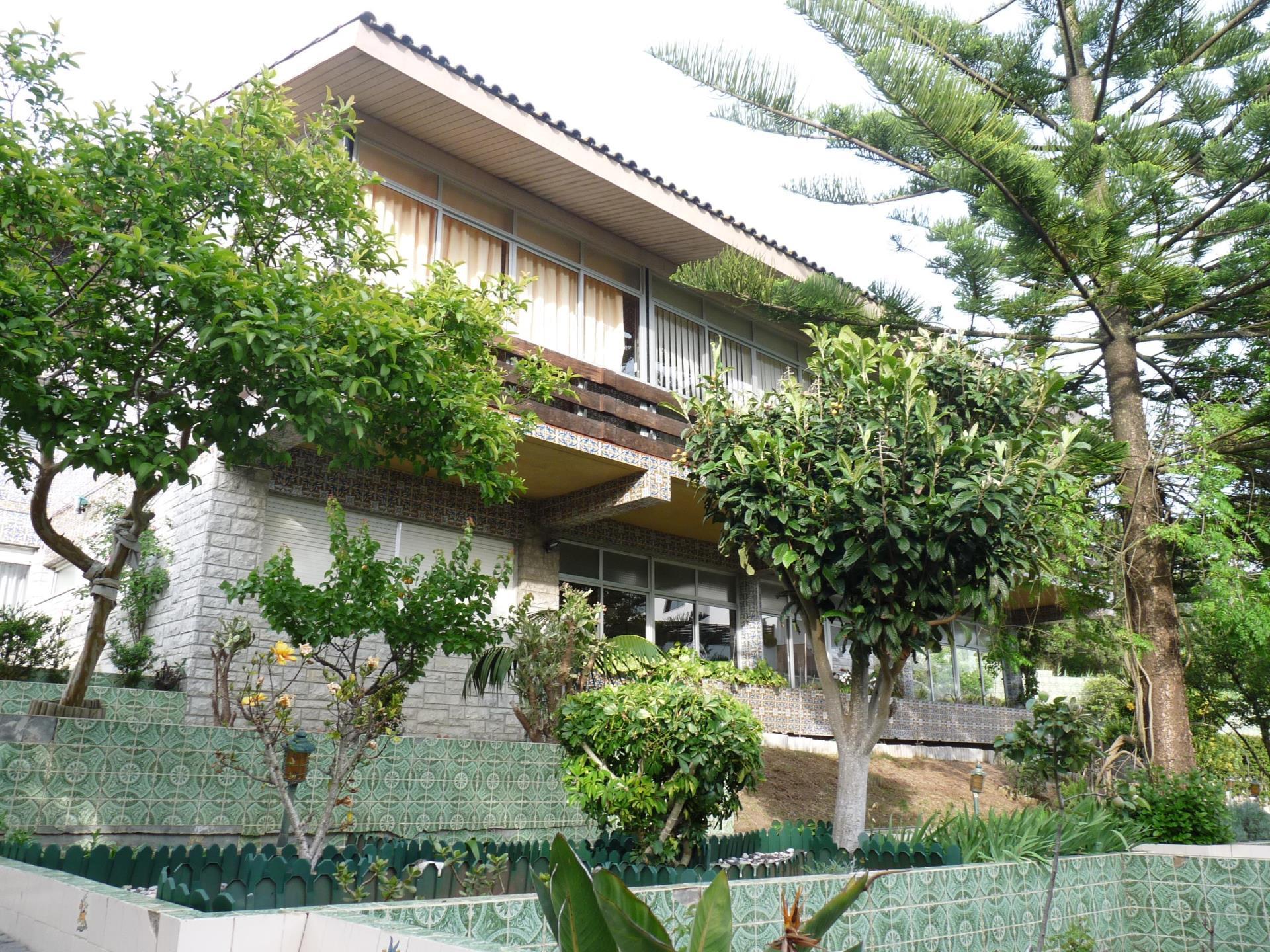 Vivienda unifamiliar por un Venta en House, 6 bedrooms, for Sale Alto Sta Catarina, Oeiras, Lisboa Portugal