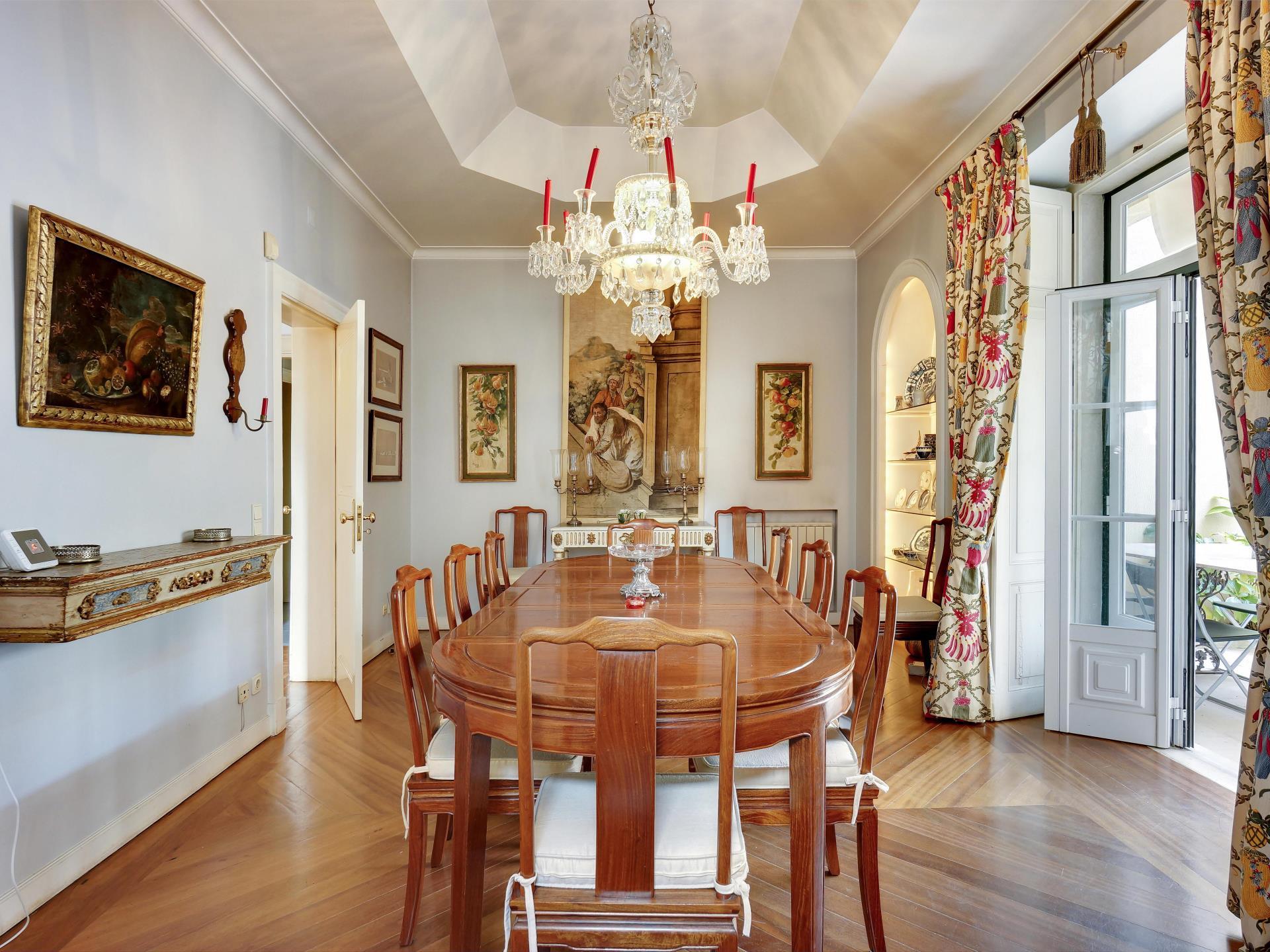 Maison unifamiliale pour l Vente à House, 4 bedrooms, for Sale Lisboa, Lisbonne Portugal