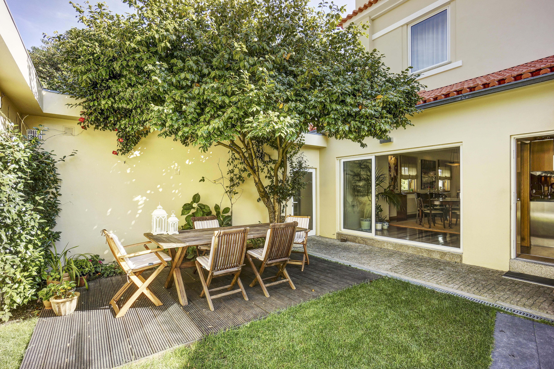 Casa Unifamiliar por un Venta en House, 4 bedrooms, for Sale Porto, Porto 4150-341 Portugal
