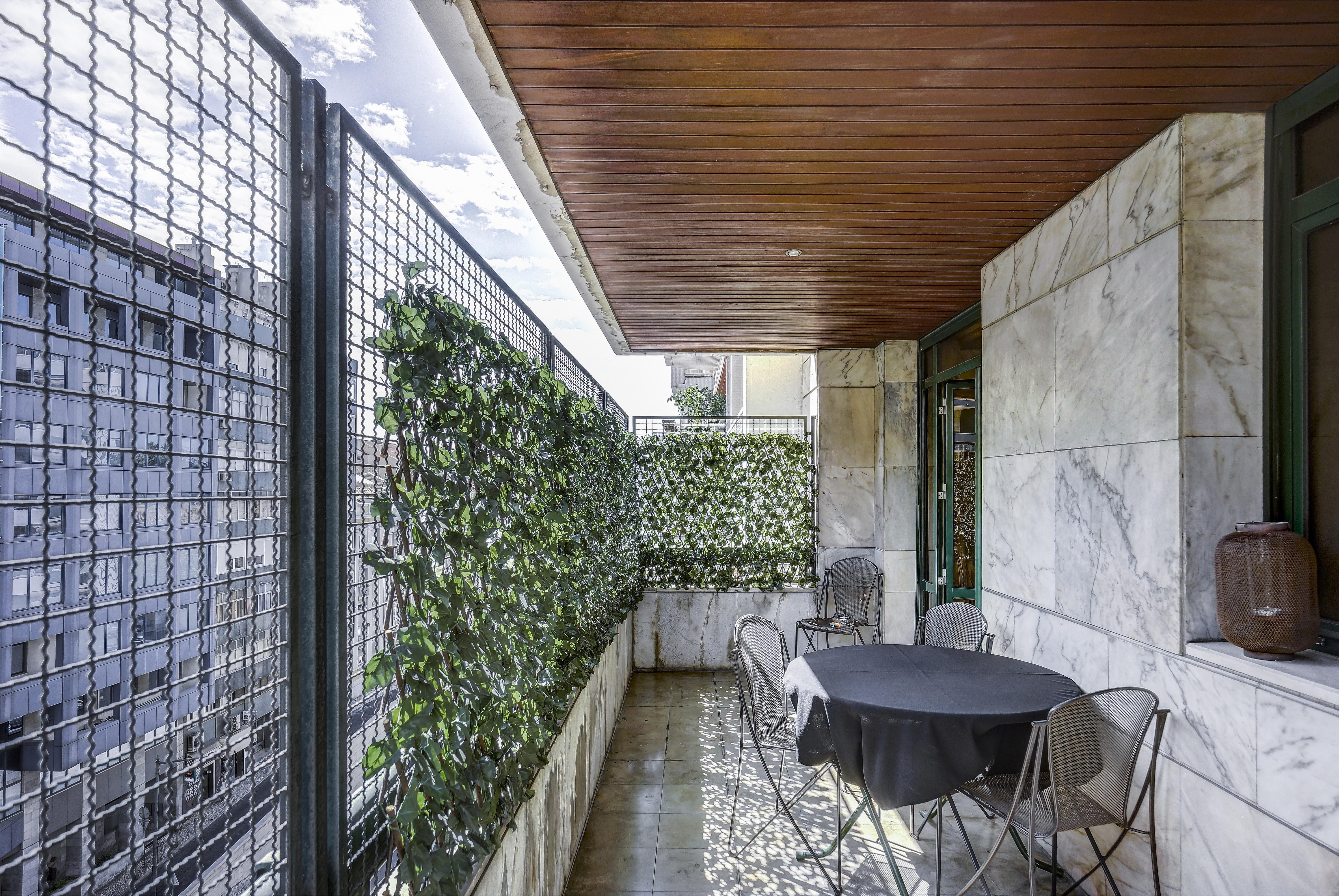 Apartamento para Venda às Flat, 4 bedrooms, for Sale Lisboa, Lisboa, Portugal