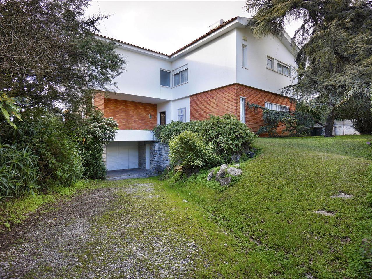 Casa para uma família para Venda às House, 5 bedrooms, for Sale Lisboa, Lisboa Portugal
