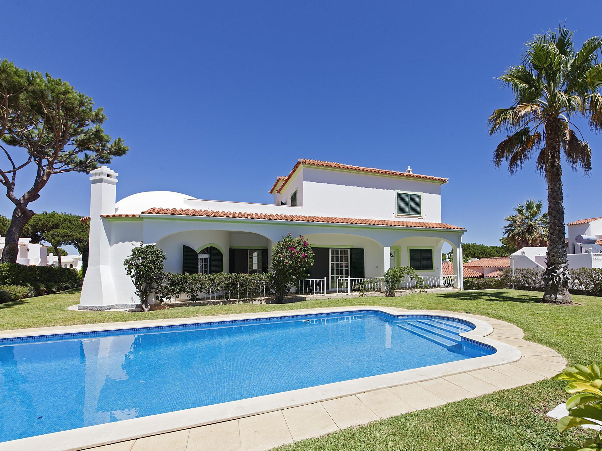 独户住宅 为 销售 在 Detached house, 4 bedrooms, for Sale Loule, Algarve 葡萄牙