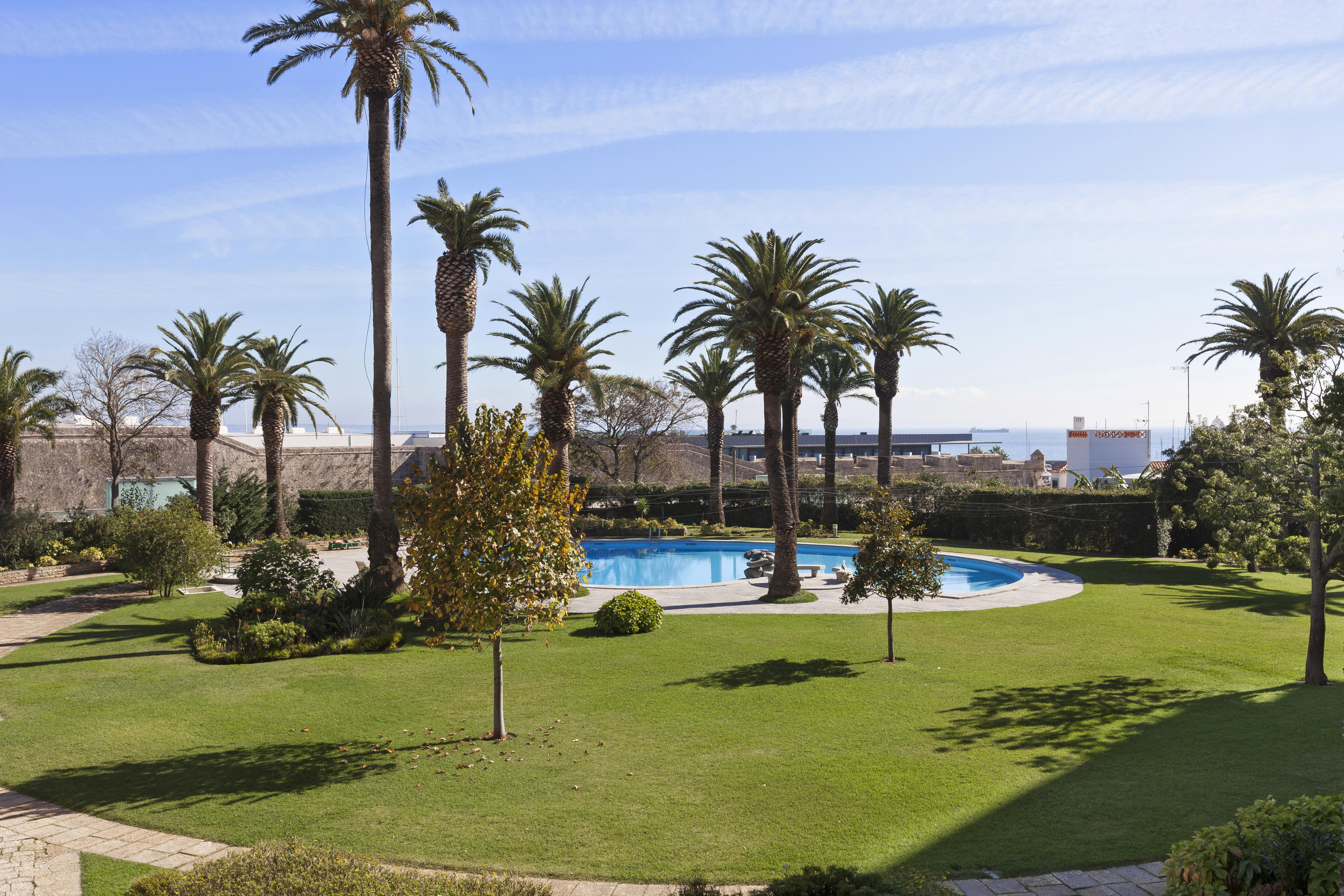 Apartment for Sale at Flat, 3 bedrooms, for Sale Cascais, Lisboa, 2750-800 Portugal