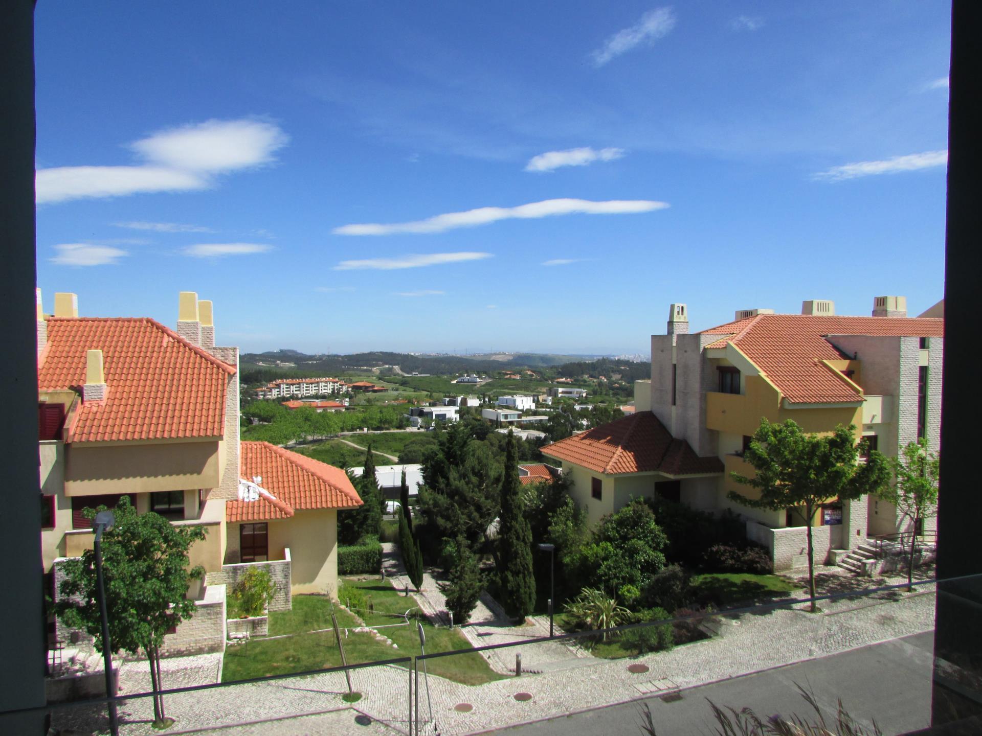 Apartamento para Venda às Flat, 3 bedrooms, for Sale Belas, Sintra, Lisboa Portugal
